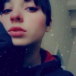 Aysenur's avatar