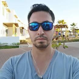 Demetrio Lizarraga's avatar